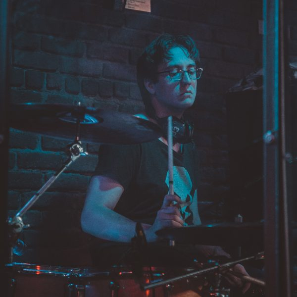 Scott Kerr drumming at the Roxy